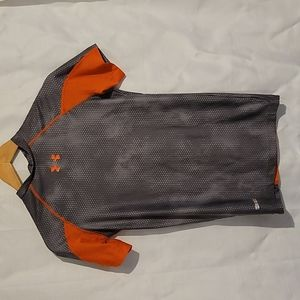 Under Armour grey and orange heat gear compression t shirt size medium